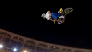 Extremity Freeride sessions : CRAZY FMX Xfighters by RedBull